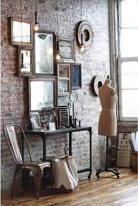 Un collage de espejos, para los más presumidos...