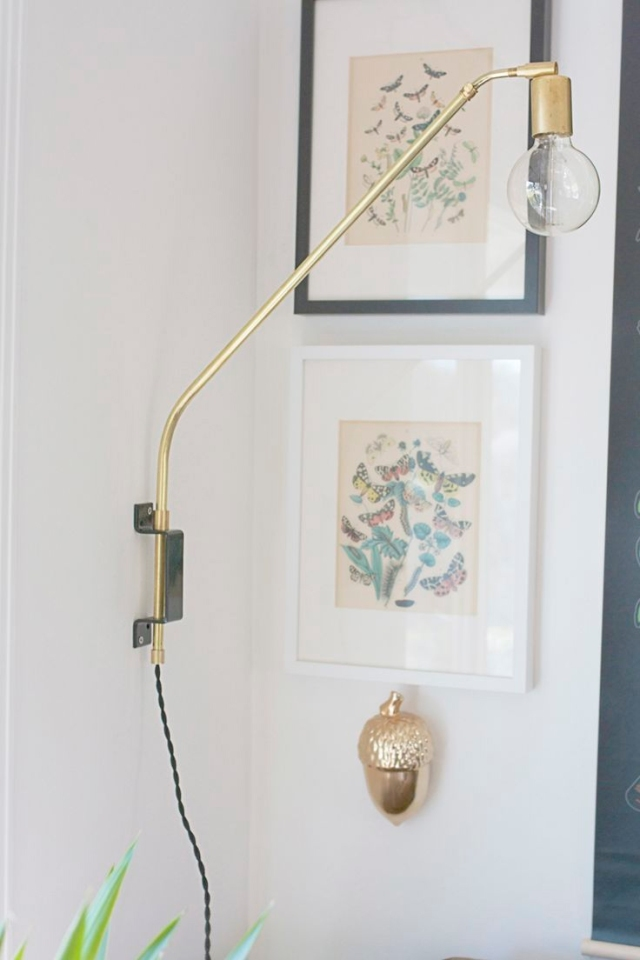 Swing_arm_wall_lamp_3